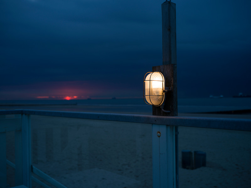 beach blue hour-B5844067.jpg