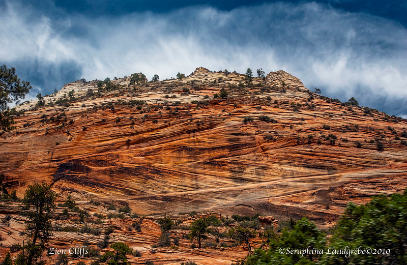 DSC_5288Zion cliffs.jpg
