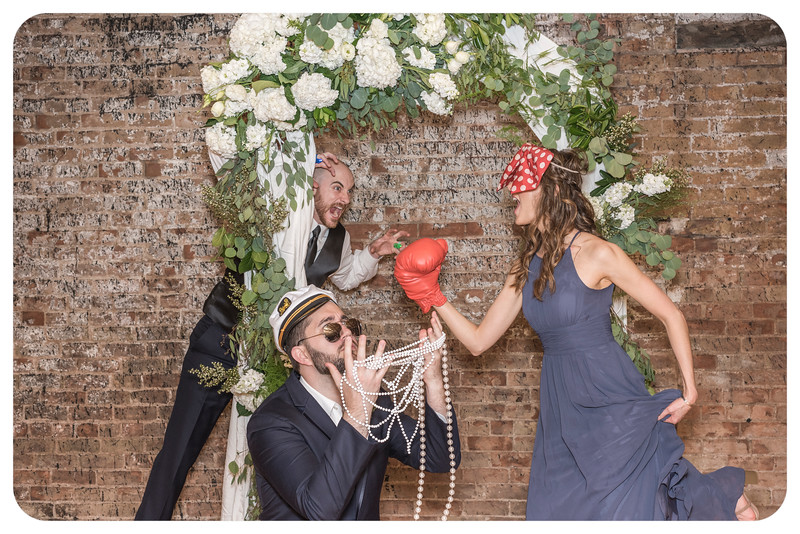 Laren&Bob-Wedding-Photobooth-220.jpg