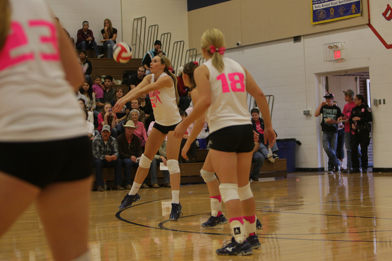 Lingle-Ft Laramie vs Lusk Volleyball-2470.jpg