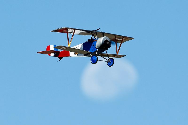 Electrifly_Nieuport17_Moon_58.jpg