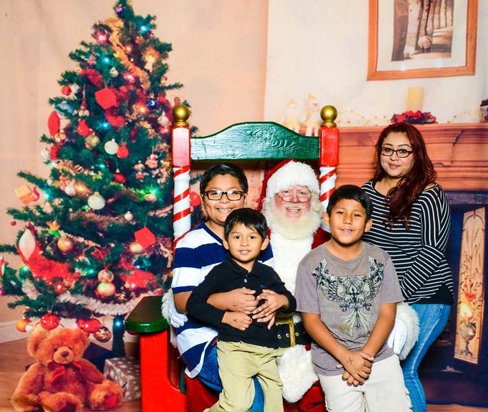Santa Elmore 2016-12173.jpg
