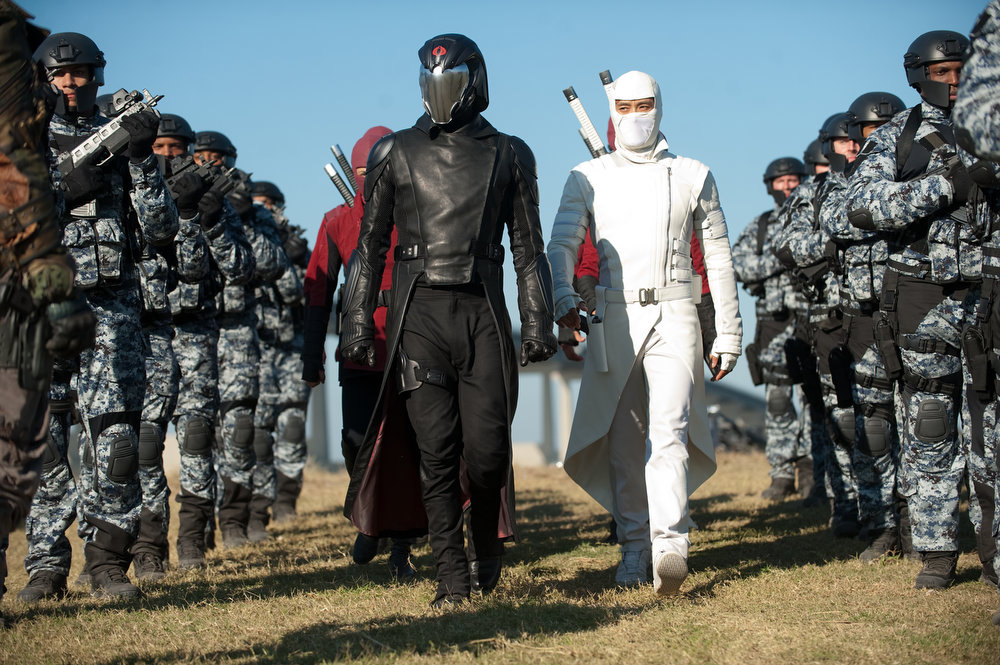 Description of . Center left to right: Luke Bracey plays Cobra Commander and Byung-Hun Lee plays Storm Shadow in G.I. JOE: RETALIATION, from Paramount Pictures, MGM, and Skydance Productions.  (Jaimie Trueblood/Paramount Pictures)