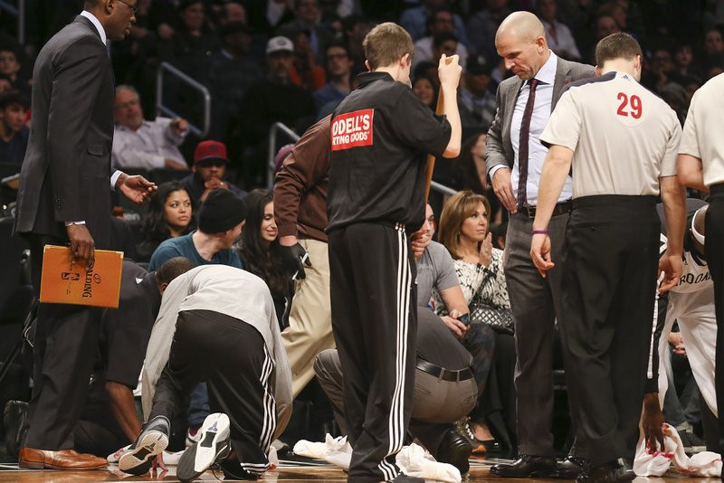 ". <p>7. (tie) JASON KIDD <p>The coach�s drink has fallen, but the Nets still can�t get up. (unranked) <p><b><a href=\'http://nba.si.com/2013/11/29/jason-kidd-spilled-soda-brooklyn-nets-la-lakers/\' target=\""_blank\""> HUH?</a></b> <p>    (AP Photo/John Minchillo)"