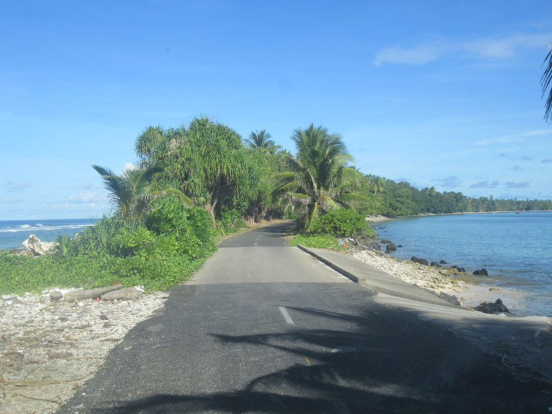 041_Funafuti Conservation Area. The slimmiest point in the country. On the left the Pacific Ocean. On the right, the lagoon.JPG