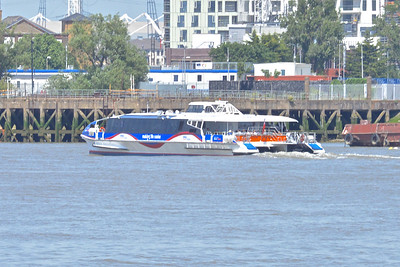 1 - Thames riverbus
