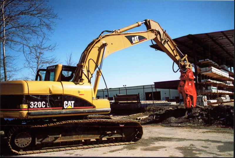NPK U21J concrete pulverizer on Cat excavator at Carr Bros (15).JPG