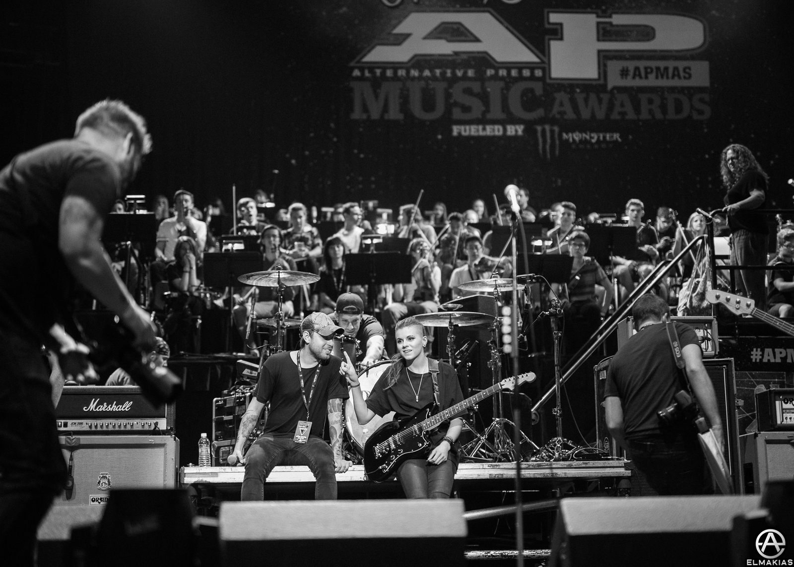 PVRIS with Tyler Carter of ISSUES at the 2015 APMAs by Adam Elmakias
