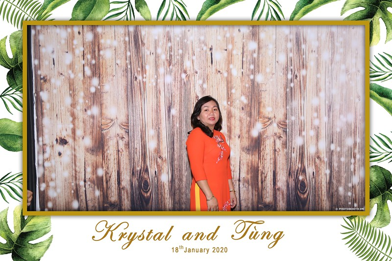 Krystal-Tung-wedding-instant-print-photo-booth-in-Ho-Chi-Minh-City-Chup-hinh-lay-lien-Tiec-cuoi-WefieBox-Photobooth-Vietnam-020.jpg