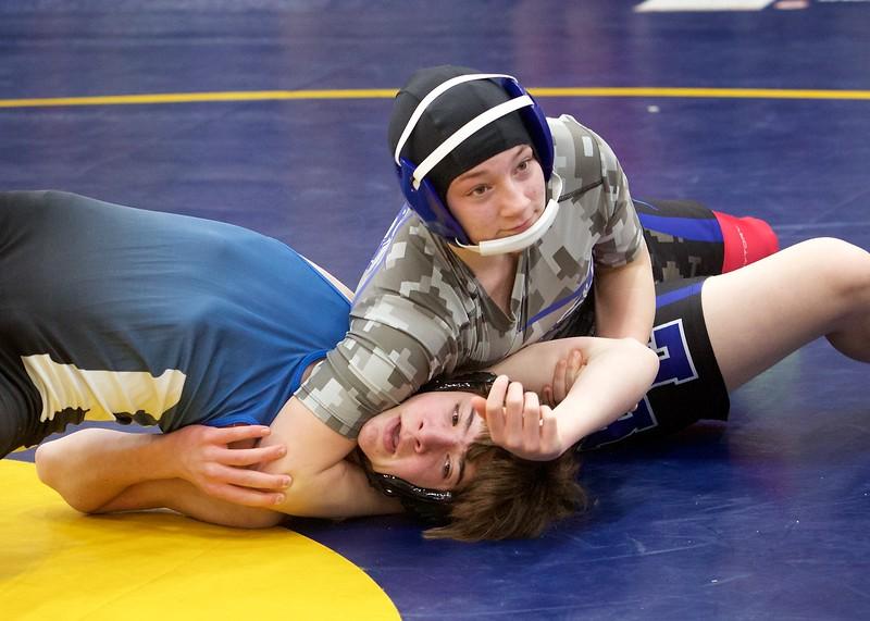 18 19 Wrestling 1484_John Benoit.jpg