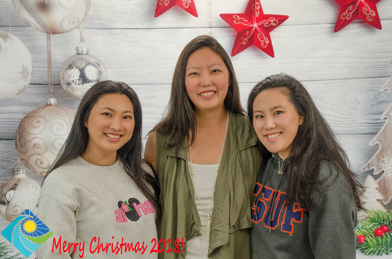 Christmas Photobooth 2018 Sunday-144.jpg