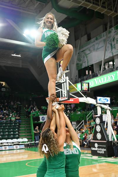 cheerleaders6653.jpg