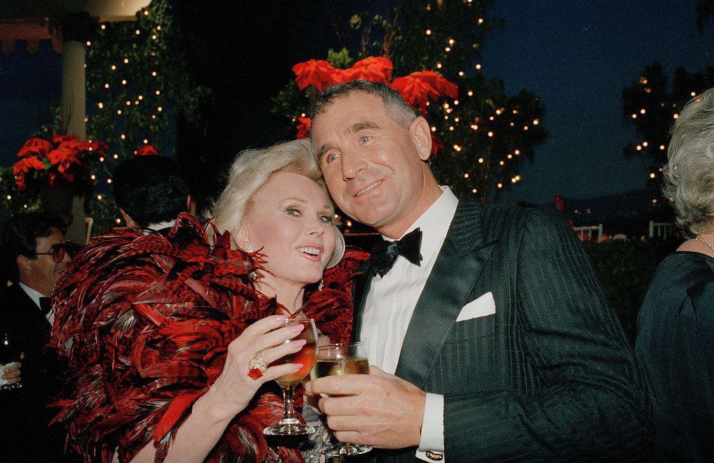 . Zsa Zsa Gabor and her new husband, Prince Frederick von Anhalt, pose together, Sept. 29, 1986, at the taping of the All Star Party for Clint Eastwood at Burbank Studios.  (AP Photo/Mark Avery)