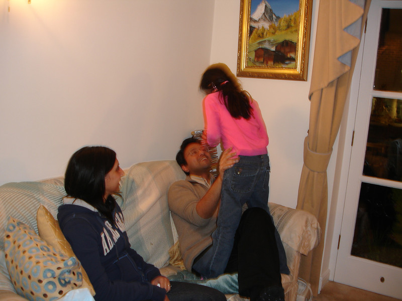 swati and kids in London 2008 117.JPG