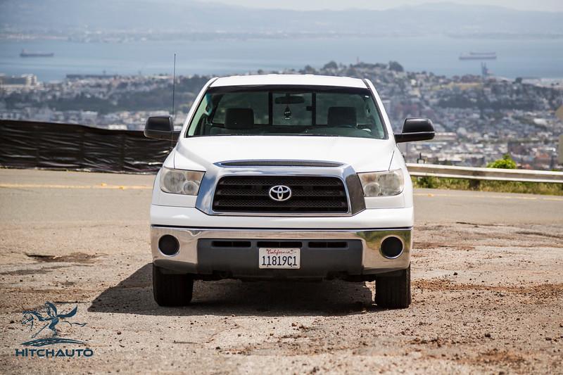 Toyota_Tundra_White_11819c1-6415.jpg