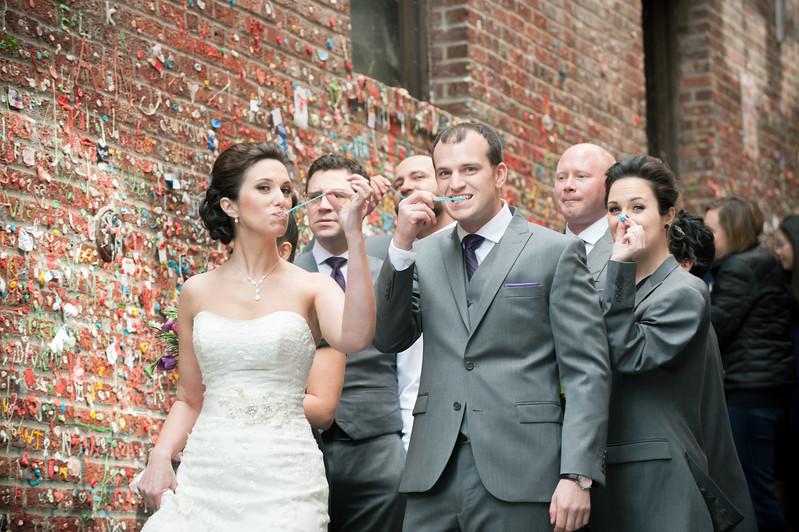 spring-pike-place-market-seattle-wedding-photos-carol-harrold-photography-11.jpg