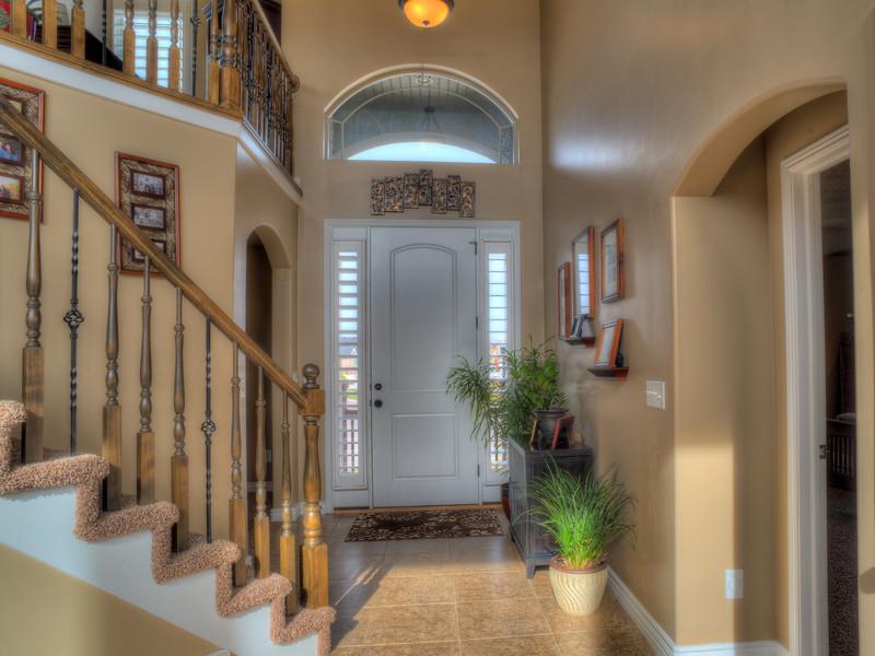 Syracuse Interior Front Door 150314.jpg