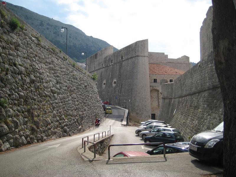city_walls_1.jpg