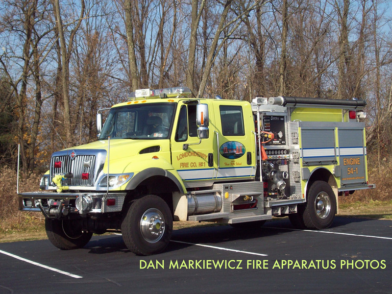 LONDONDERRY FIRE CO. ENGINE 54-1 2004 INTERNATIONAL/CENTRAL STATES PUMPER