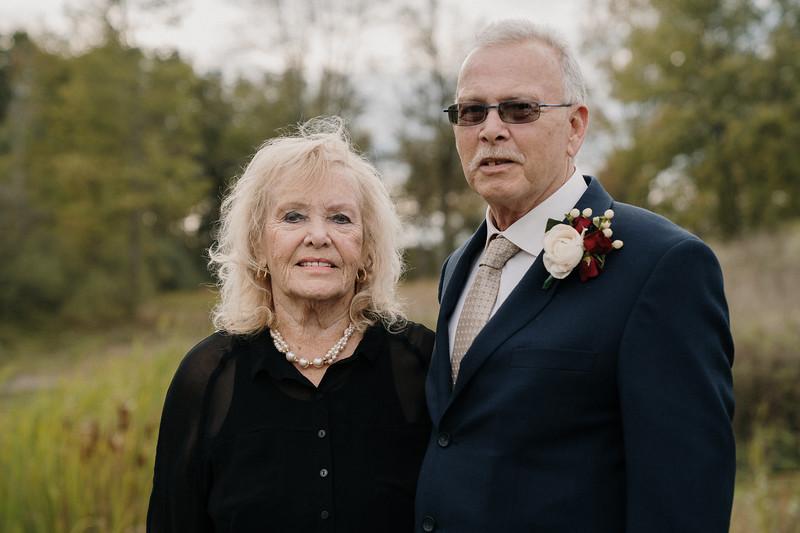 rustic_ohio__fall_barn_wedding-264.jpg