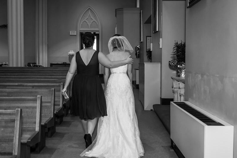 Jennie & EJ Wedding_00180-BW.jpg