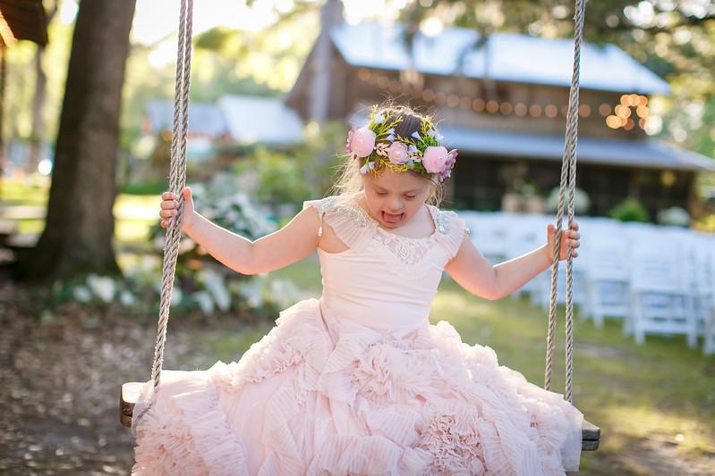 CAP2017-MadisonKyle-WEDDING-Giselle-TuckersFarmhouse-1036.jpg