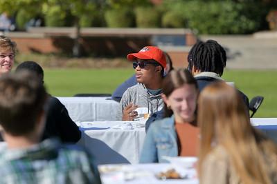 2020 Thanksgiving Lunch in Cruz Plaza