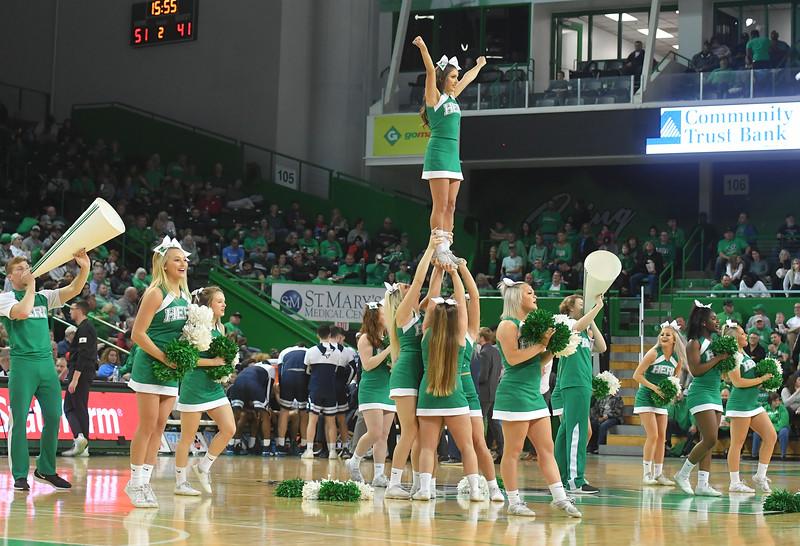 cheerleaders1006.jpg