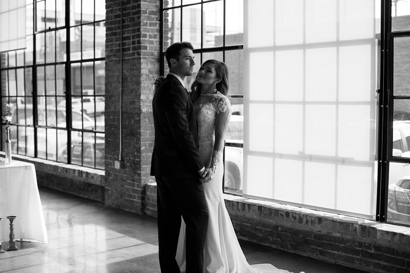 Kate&Josh_B&W_ZACH.WATHEN.PHOTOGRAPHER-314.jpg