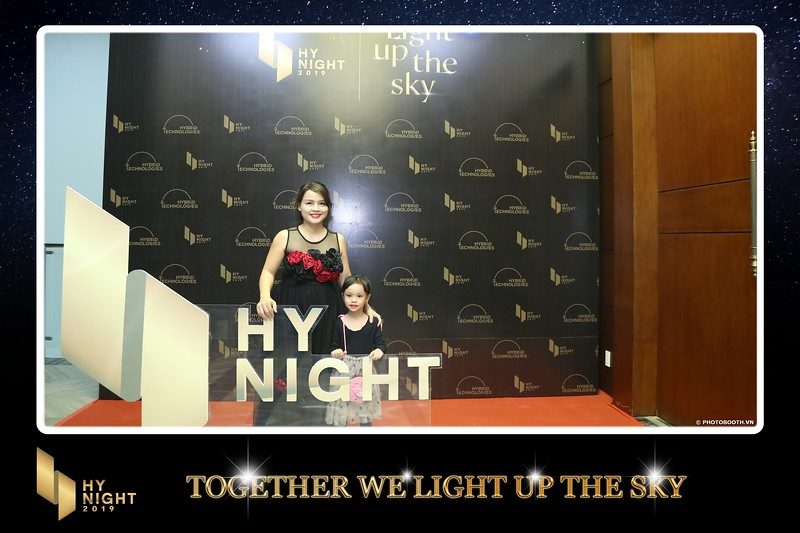 Buzz-Comm-Year-End-Party-instant-print-photo-booth-at-New-World-Saigon-Chup-hinh-lay-lien-Tat-nien-WefieBox-Photobooth-Vietnam-070.jpg