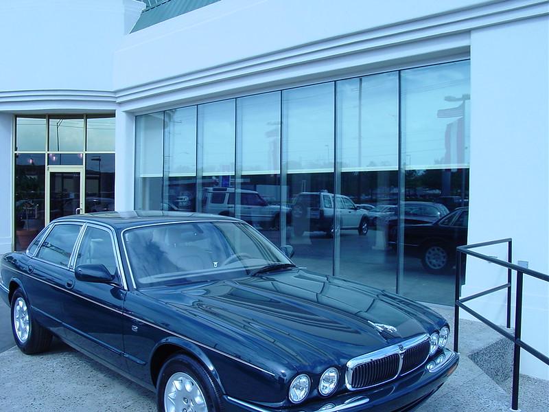 Jaguar exec 005.jpg
