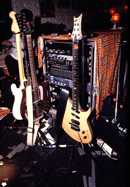 3 GUITARS & MIDI RACK