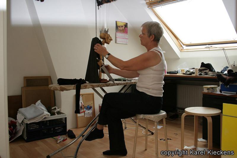 007. Rose kleedt Richaar (2-08-2009)