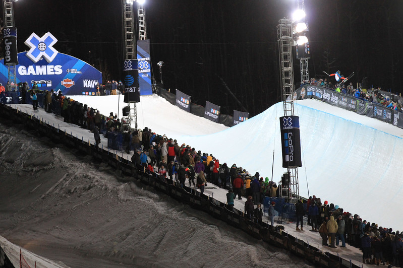 Mens Ski Superpipe.jpg