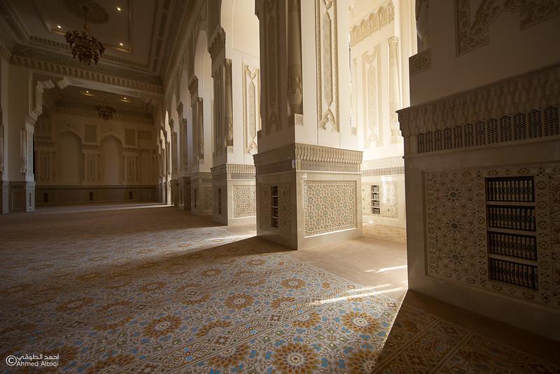Sultan Qaboos mosque -- Sohar (42).jpg