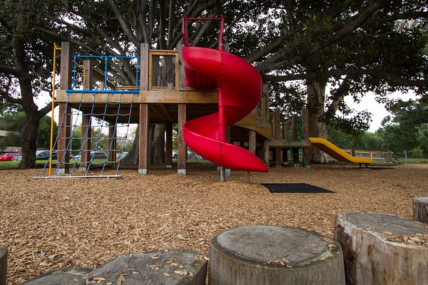 alma park treehouse playspace st kilda vic