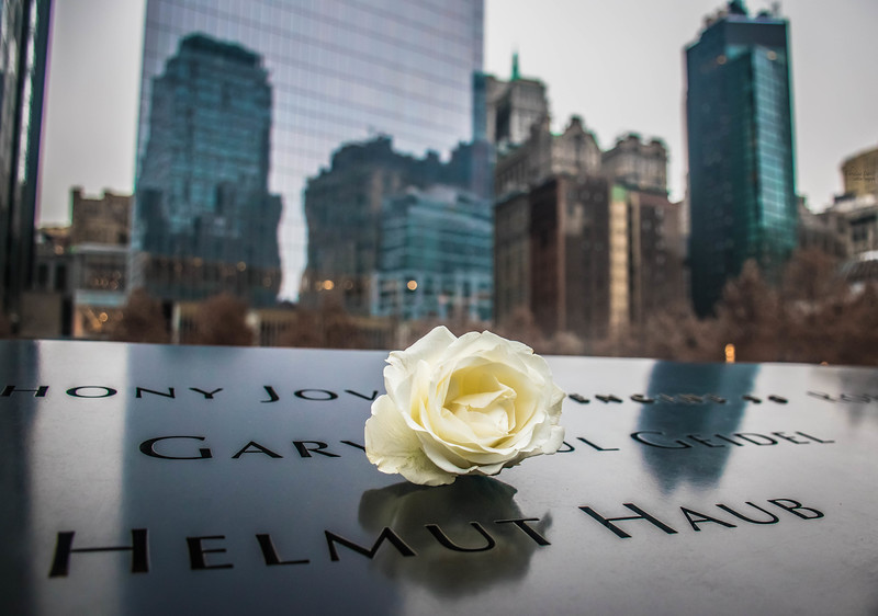 Memorial flower WTC.jpg