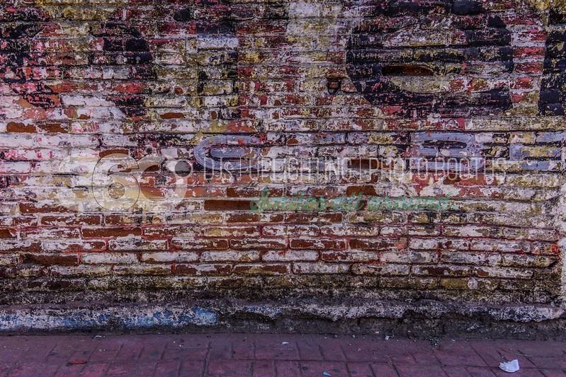 Brick-Wall_batch_batch.jpg