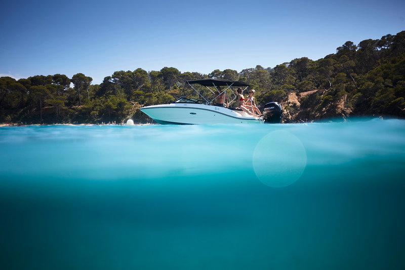 2020-SPX-190-ob-lifestyle-underwater (4).jpg