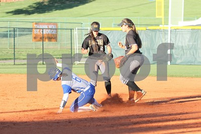 apache-ladies-go-12-at-softball-nationals