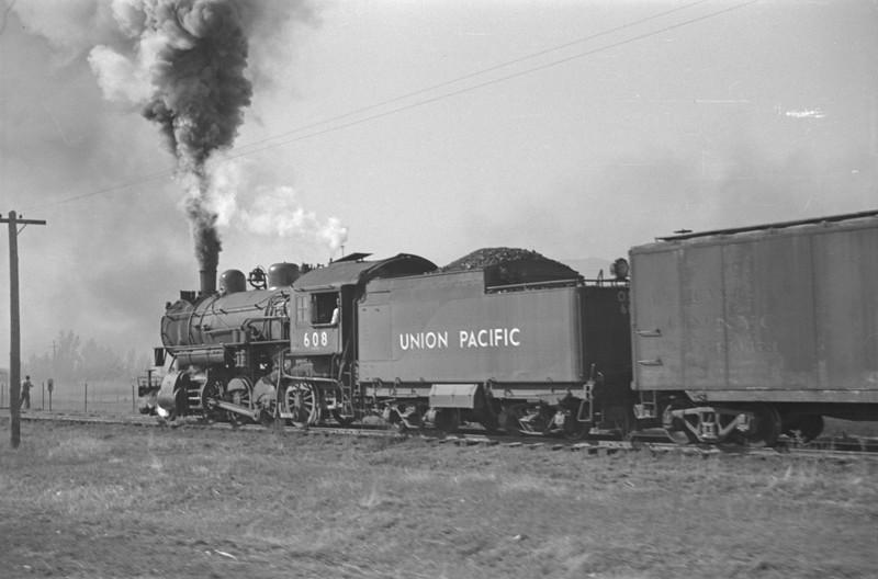 UP_2-8-0_608-with-train_Logan_Oct-18-1947_003_Emil-Albrecht-photo-0232.jpg