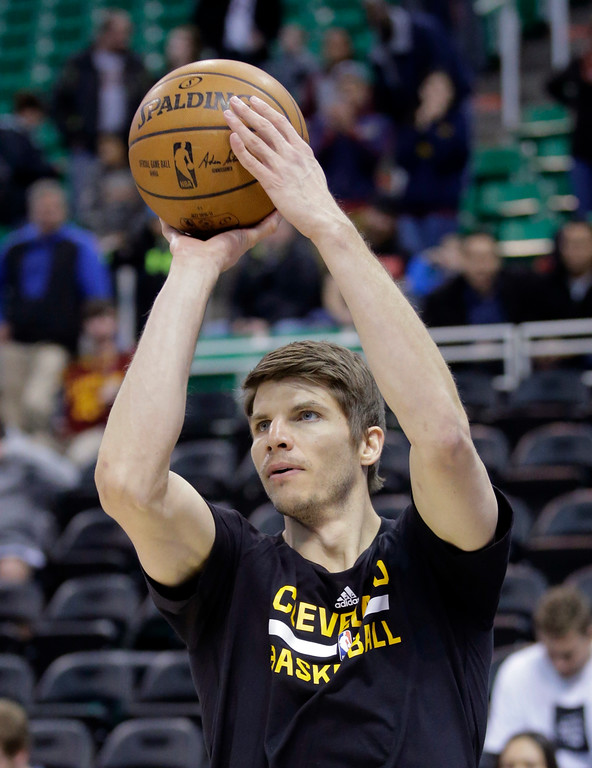 . Cleveland Cavaliers guard Kyle Korver shoots during practice before the start of their NBA basketball game against the Utah Jazz Tuesday, Jan. 10, 2017, in Salt Lake City. (AP Photo/Rick Bowmer)