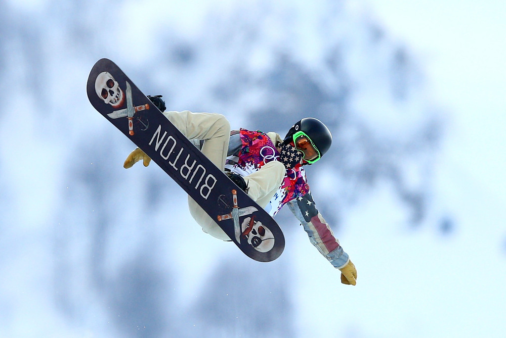 . Shaun White of the United States competes in the Snowboard Men\'s Halfpipe Qualification Heats on day four of the Sochi 2014 Winter Olympics at Rosa Khutor Extreme Park on February 11, 2014 in Sochi, Russia.  (Photo by Cameron Spencer/Getty Images)