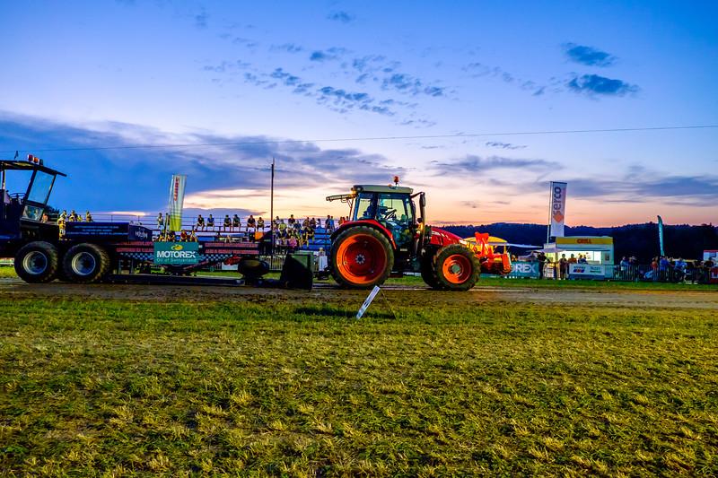 Tractor Pulling 2015-2088.jpg