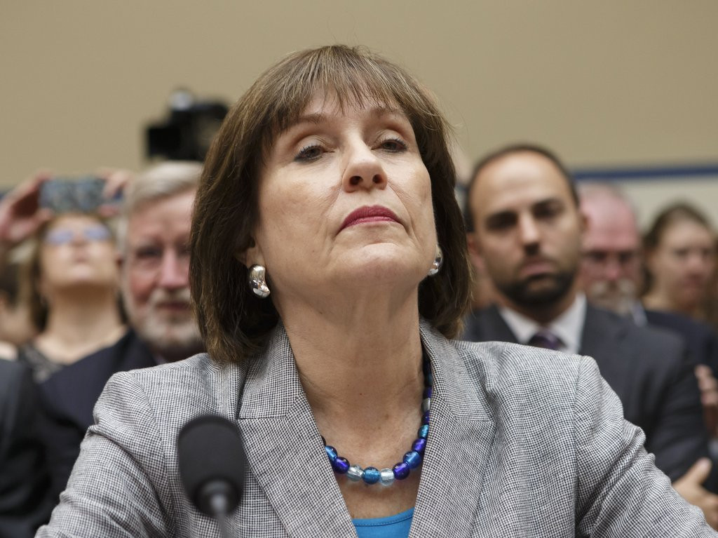 ". <p>10. (tie) TAX DAY  <p>IRS will start examining your return just as soon as they�re done taking the Fifth Amendment. (2) <p><b><a href=\'http://www.politico.com/story/2014/04/round-two-in-gop-face-off-with-ex-irs-official-lois-lerner-105573.html\' target=""_blank\""> HUH?</a></b> <p>   (AP Photo/J. Scott Applewhite, File)"