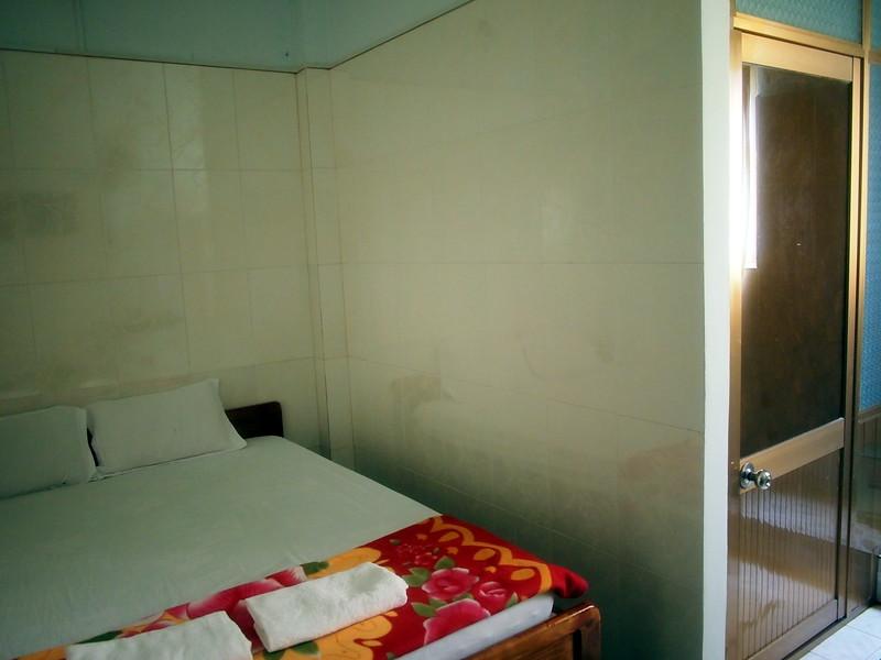 P1307077-hai-hien-room.JPG