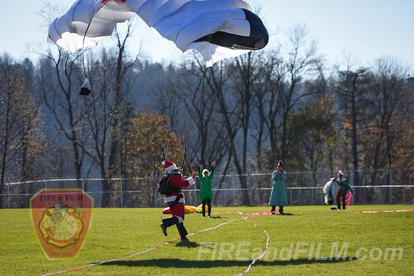Santa parachutes into Shenandoah - 11/24/2017