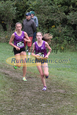 Girls D1 at 1.5 mile mark - 2014 Nike Holly Duane Raffin Cross Country Invite