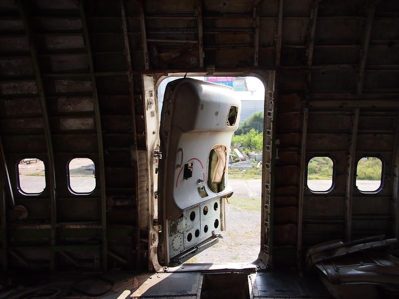 P3042828-open-door.JPG