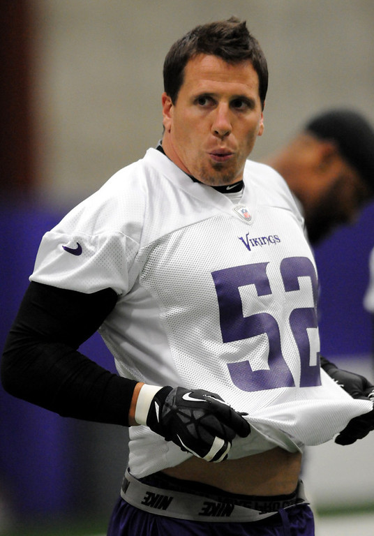 . Vikings linebacker Chad Greenway catches his breath during practice. (Pioneer Press: Jean Pieri)